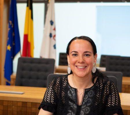 Bild zum Beitrag: Herzlichen Glückwunsch zum neuen Amt als Bildungsministerin